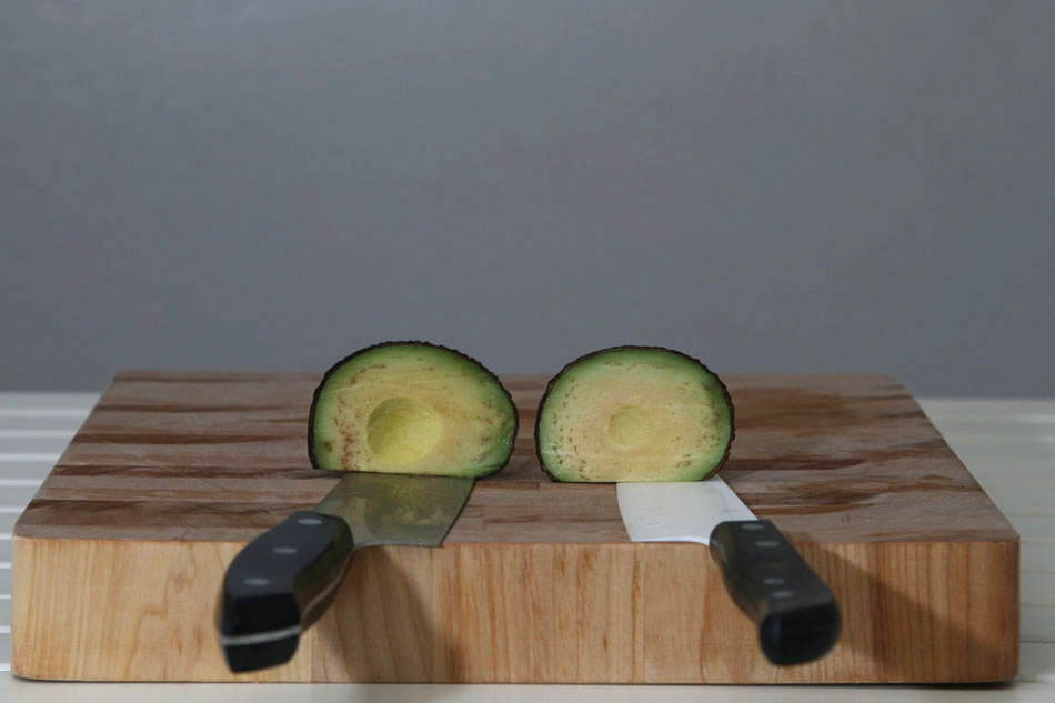 how to keep avocado from turning brown in salad